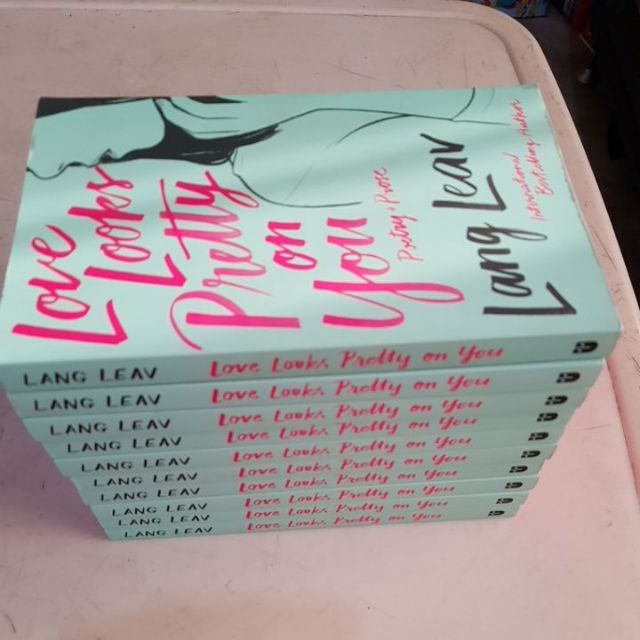 BNEW LOVE LOOKS PRETTY ON YOU( PINK EDGE )- LANG LEAV