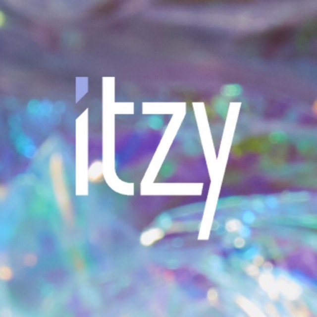 ITZY - IT'Z ICY [IT'Z or ICY version]