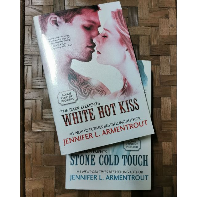 Hot kiss touch