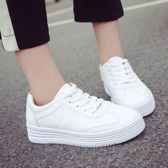 Li style💃🏻 8801Womens shoes white shoes.  Shopee Philippin