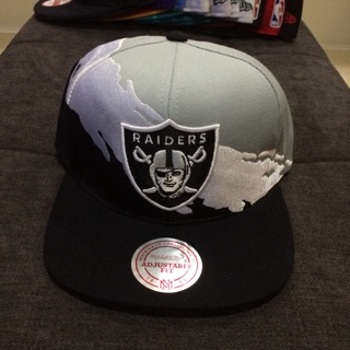 outlet store d87d2 cd94b Mitchell and Ness Oakland Raiders Splash Snapback Cap ...