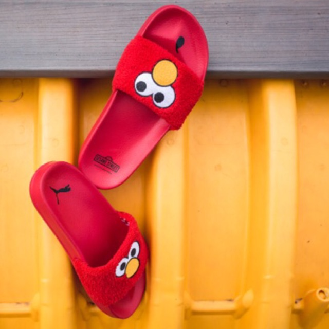 fdbc4ea61b7 Authentic Puma Sesame Street Elmo Leadcat Slides CM24