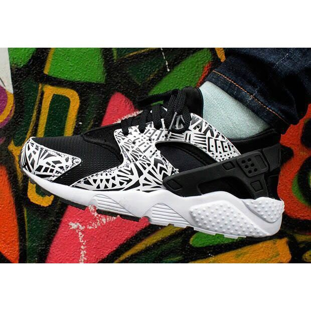 new concept f3407 df12a New Color NIKE AIR HUARACHE Womens Shoes Breathable Sports Shoes Black White