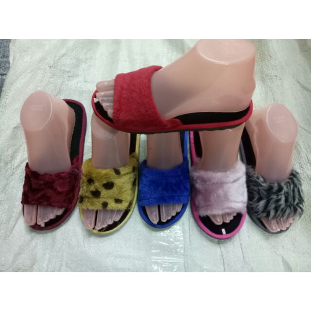 Slippers 6 pair for 200
