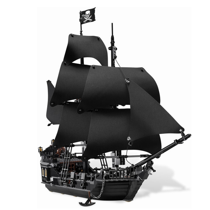Pirates of the Caribbean The Black Pearl Ship with 875PCS Lego jack sparrow doll