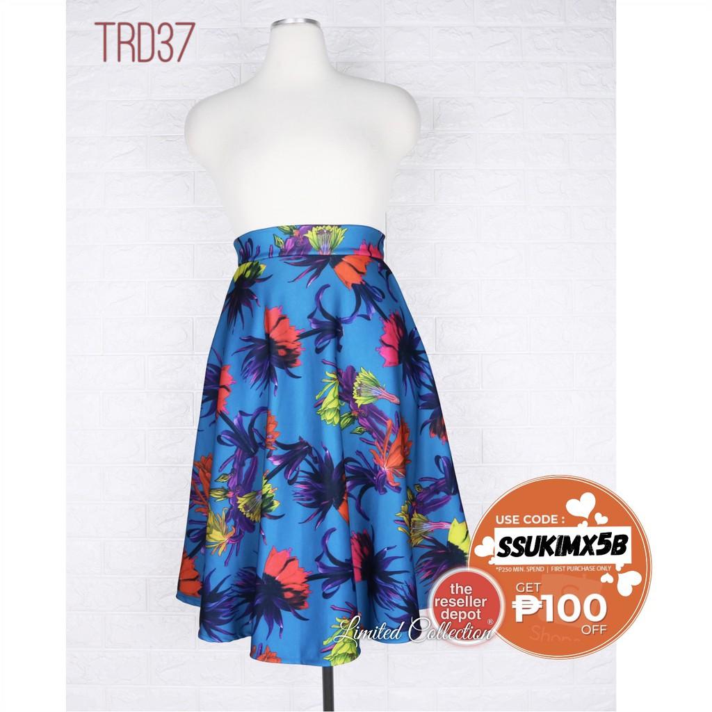 7561439491 Black maxi skirt