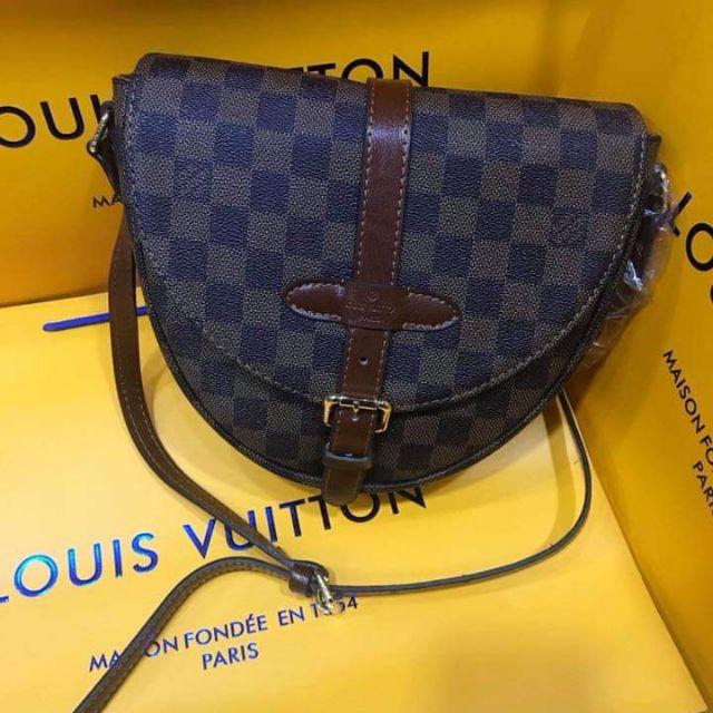 850285257d22 AUTHENTIC LV SLING BAG